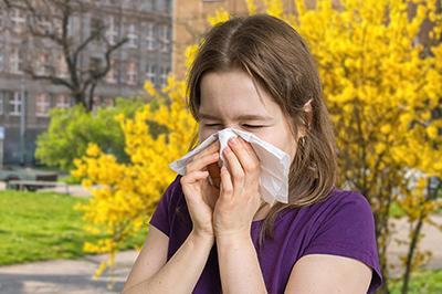 Mogu li nositi kontaktne leće u vrijeme alergija?