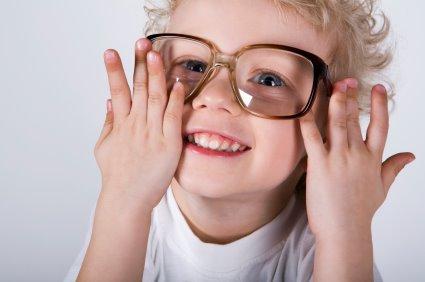 Mogu li djeca koristiti kontaktne leće?