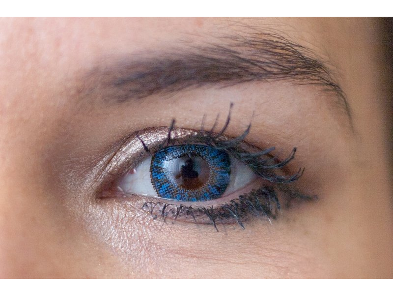 TopVue Daily Color - dioptrijske (10 kom leća) - sapphire blue on brown eye